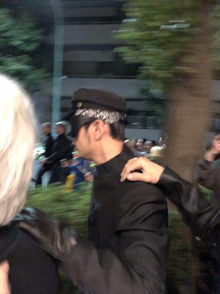 周杰倫扮成「加藤」參加日本東京澀谷萬聖節活動。 圖/擷自twitter