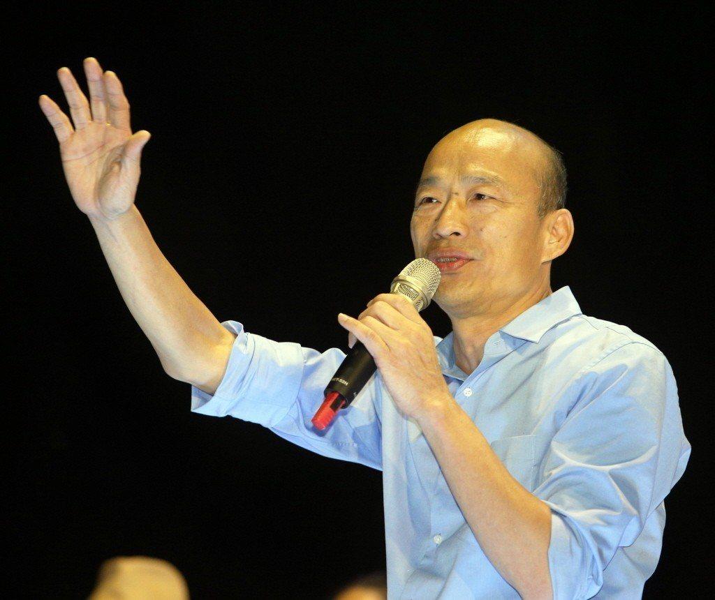 國民黨青年次團草協聯盟發起人李正皓分析有五名讓韓國瑜(圖)聲勢高漲的助選員。 聯...