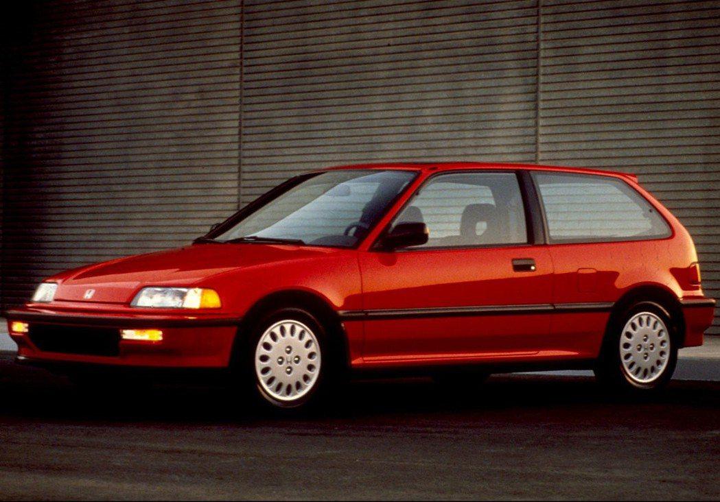 國內代號K系列就是從四代Civic開始。 摘自Honda