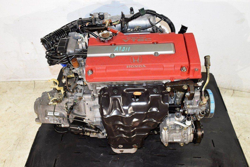 B16B紅頭引擎,是當時Civic玩家夢寐以求的高性能引擎。 摘自網路