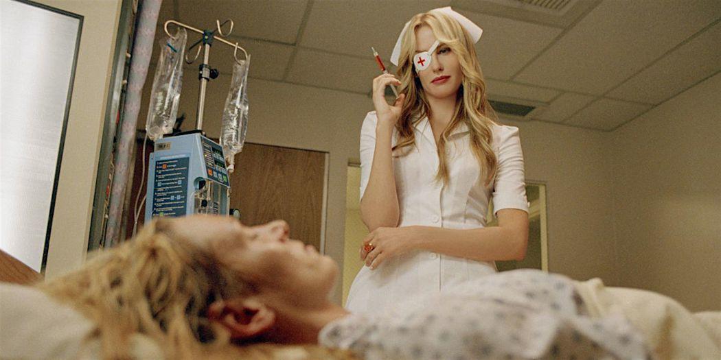 救人一命的護士,真面目竟是連環殺人犯! 圖/《Kill Bill》電影劇照