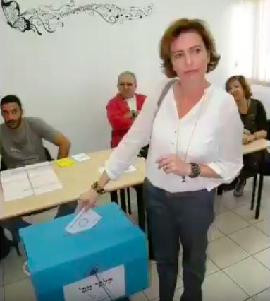 以色列第3大城海法市長由女候選人羅坦牡當選,寫下首位女性執政主要城市的歷史。(p...