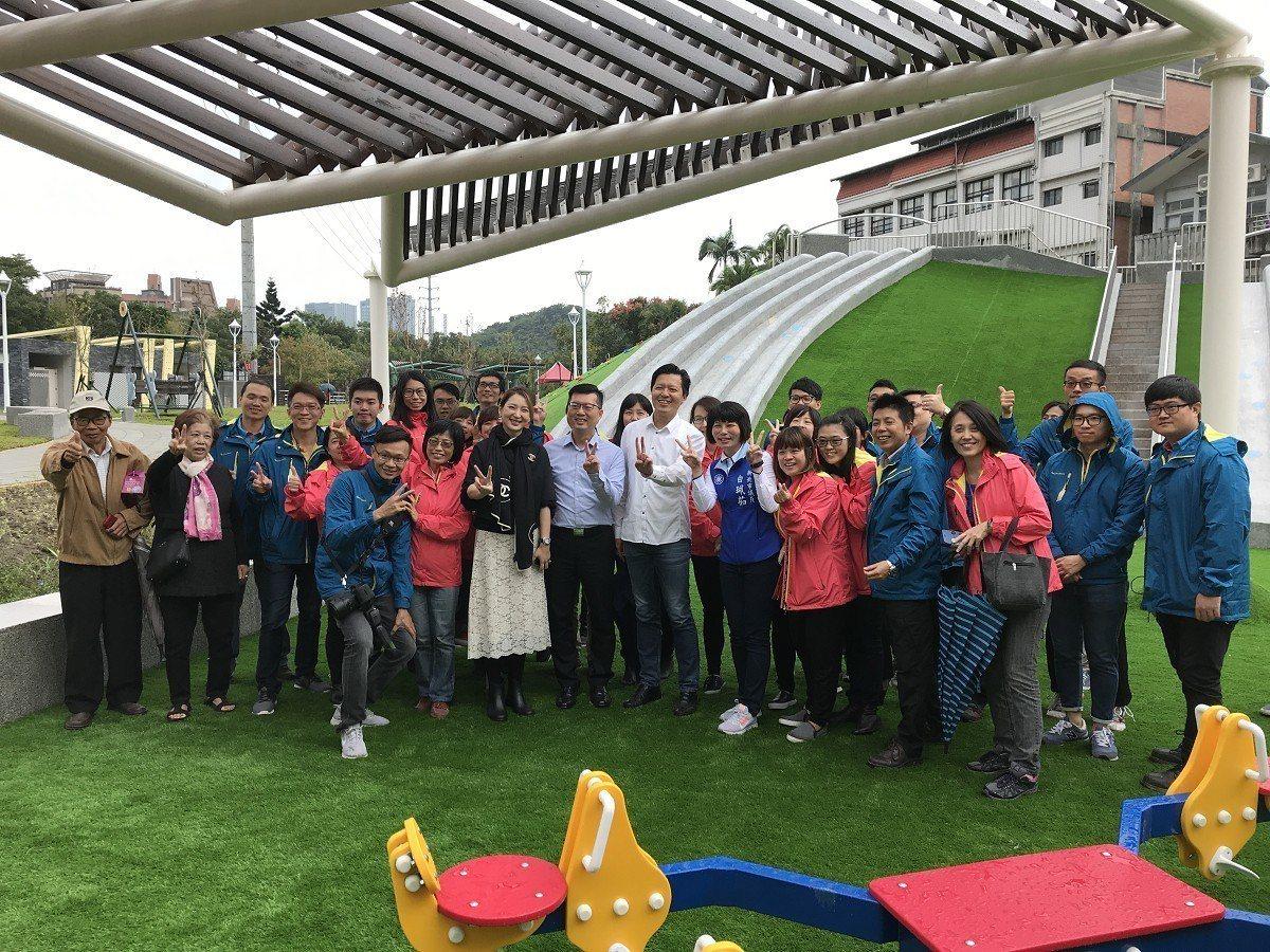汐止區的第一座共融式公園「白雲公園」正式啟用,這座1500多坪大,寬敞舒適的休憩...