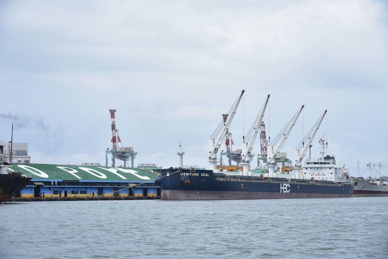 台灣港務公司著重港埠事業多元發展,透過舊港區活化再造及水岸空間商業開發,打造遊憩...