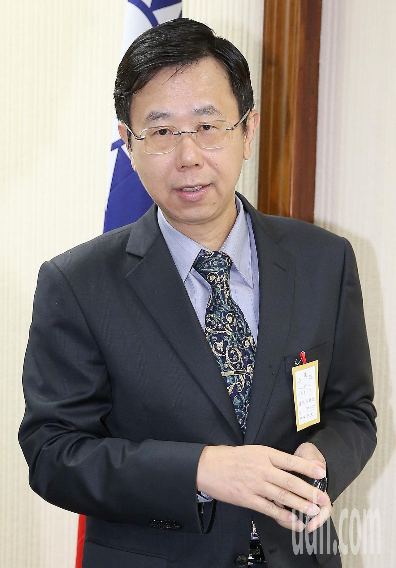 調查局長呂文忠上午出席立法院國防外交委員會,表示違反選罷法的相關情資其中有33件...