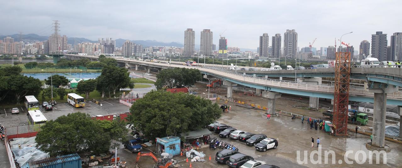 萬華區華中橋增設匝道銜接水源快速道路,今晚七點全線通車。記者侯永全/攝影