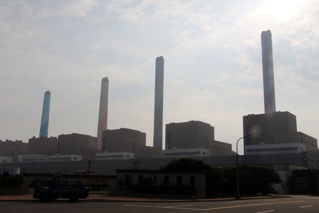 台中火力發電廠8號機歲休,發生1工人遭夾死的公安意外,圖為台中火力電廠。圖/本報...