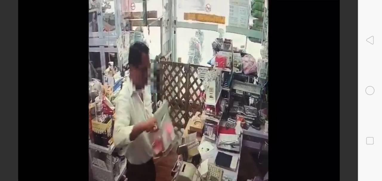 詹嫌正行竊捐款箱。記者廖炳棋/翻攝
