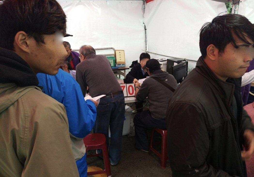 中油95無鉛汽油上月出包,今起展開為期8個月的理賠受理,中油在北台灣112座加油...