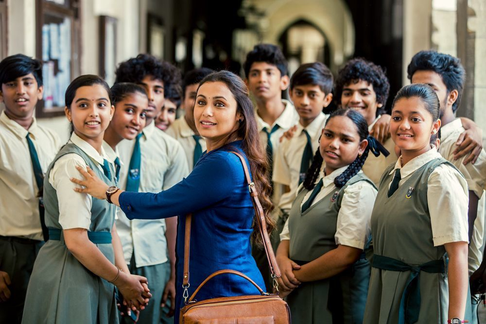 寶萊塢天后拉妮穆科吉在片中和學生的互動,賺人熱淚。圖/捷傑提供