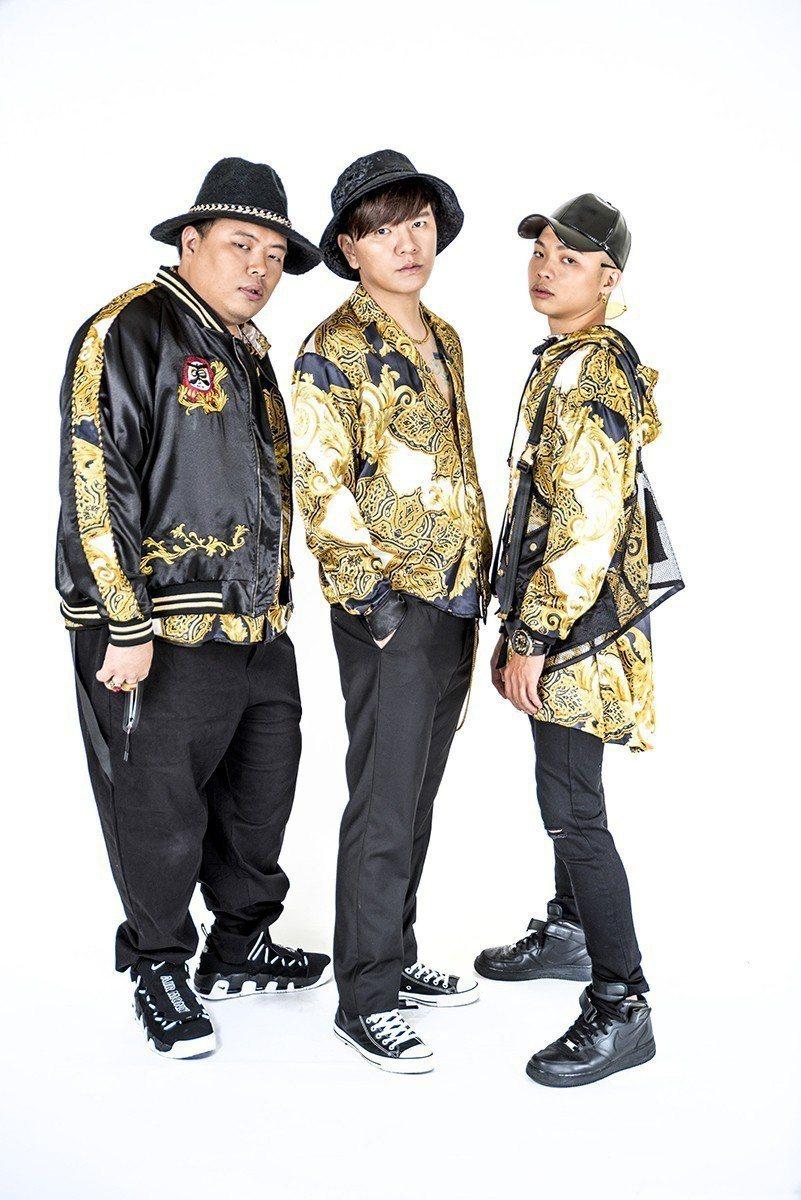 男團「東區不倒翁」成員青木(左起)、Gary、小中。圖/尬音樂提供