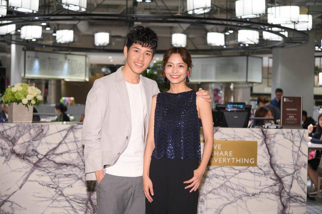 吳岳擎(左)和葉星辰參加三立迷你劇集「你好,幸福」記者會。圖/三立提供