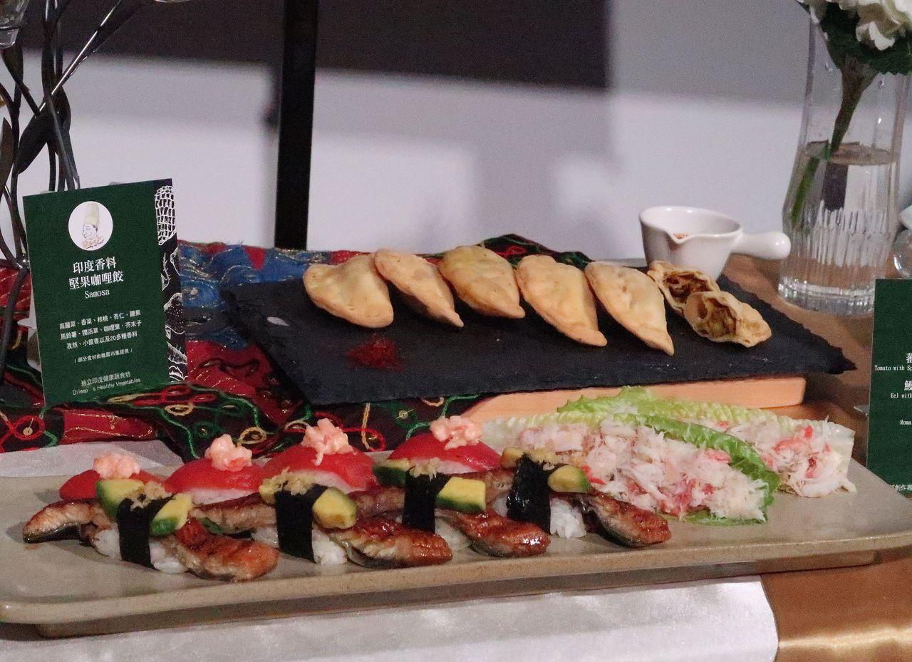 高雄市府農業局結合綠色友善餐廳與在地農產,精心籌備的特色餐點,用來招待各國嘉賓。...