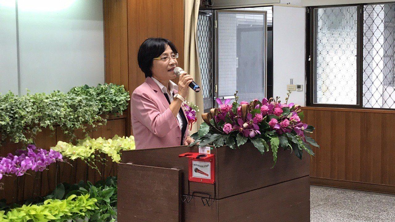 花蓮縣前農業局長杜麗華接任花蓮區農改場場長一職。記者王燕華/攝影