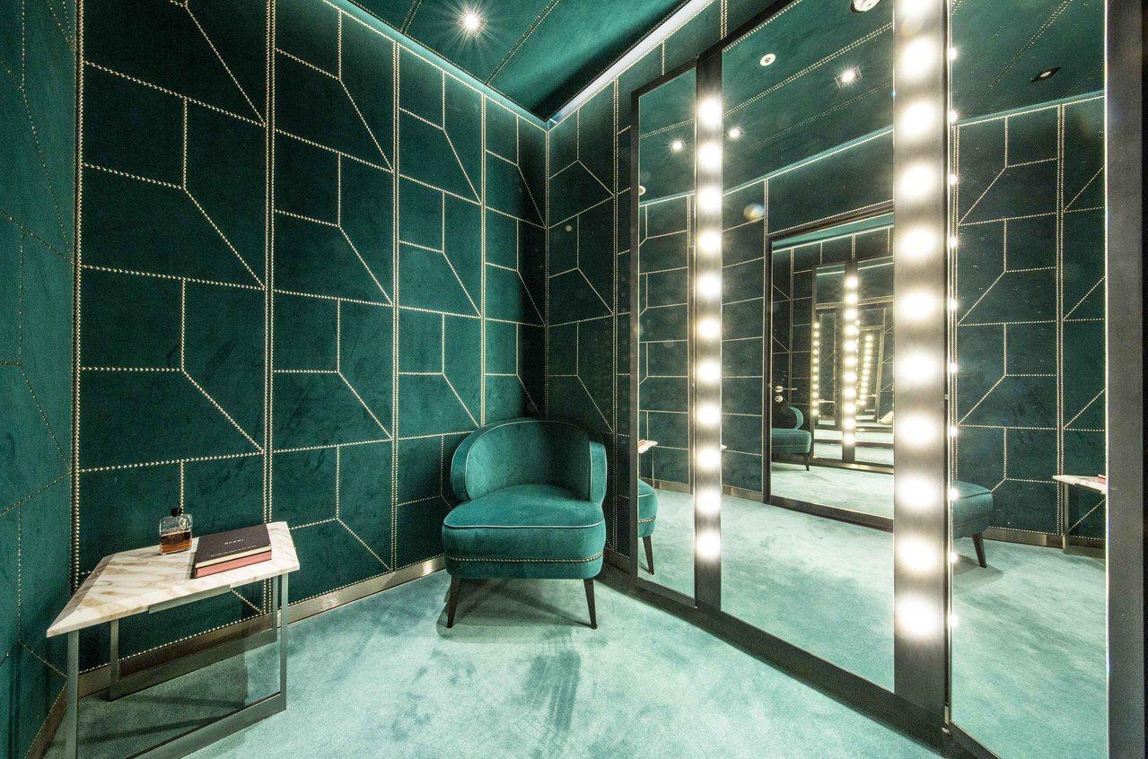 更衣室也充滿Gucci的復古優雅風格。圖/Gucci提供