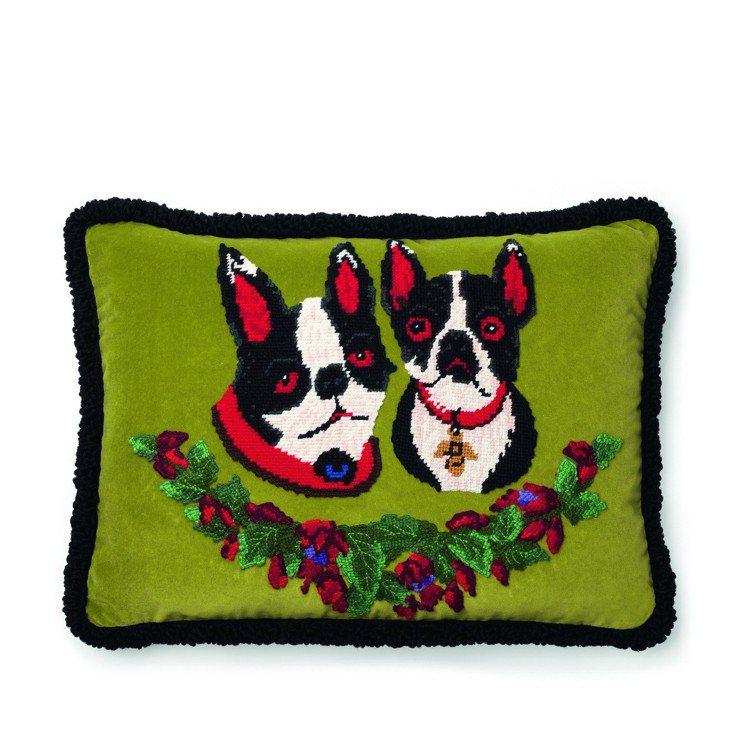 創意總監Alessandro Michele的愛犬Bosco和Orso十字繡抱枕...