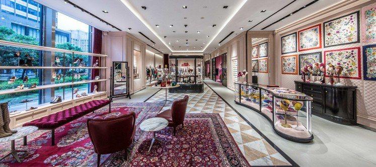 原本只有一層樓的Gucci信義新天地A4店鋪,將展售空間延伸至二樓,占地近210...