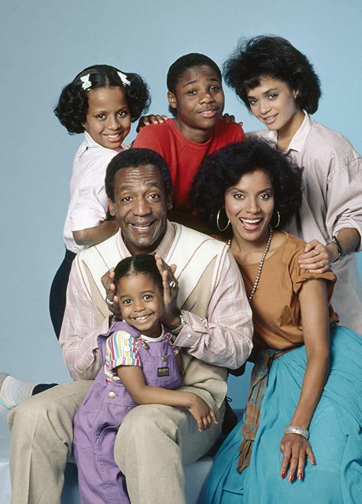 麗莎波奈特(後排右一)因演出「天才老爹」在美國大紅。圖/摘自imdb