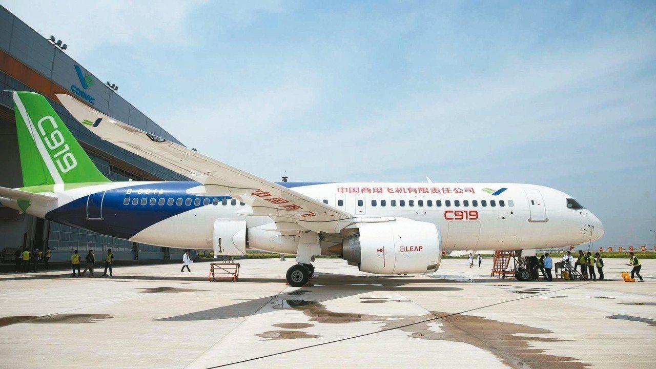 航展將於11月6日至11日在珠海國際航展中心舉行,航展的展品結構首次實現「陸、海...