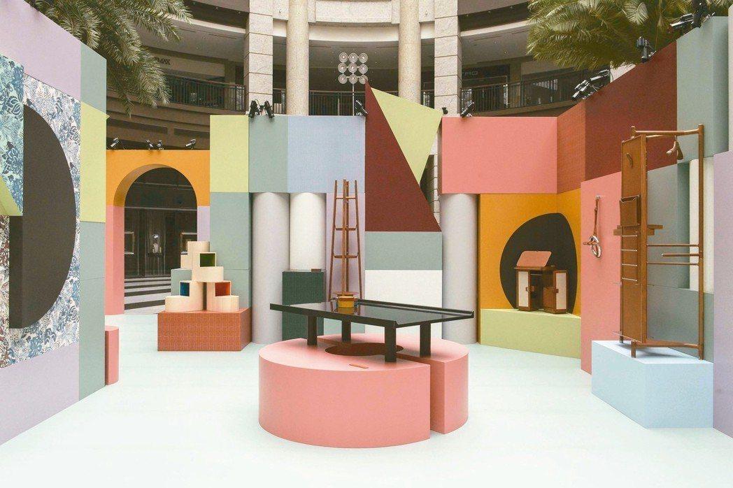 愛馬仕空間之間家居藝術裝置於台北BELLAVITA寶麗廣塲一樓中庭展出至11月4...