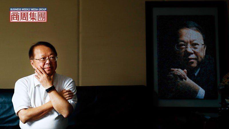1997年, 侯西峰是101大樓得標呼聲最高的廠商,《商業周刊》還以他當封面人物...