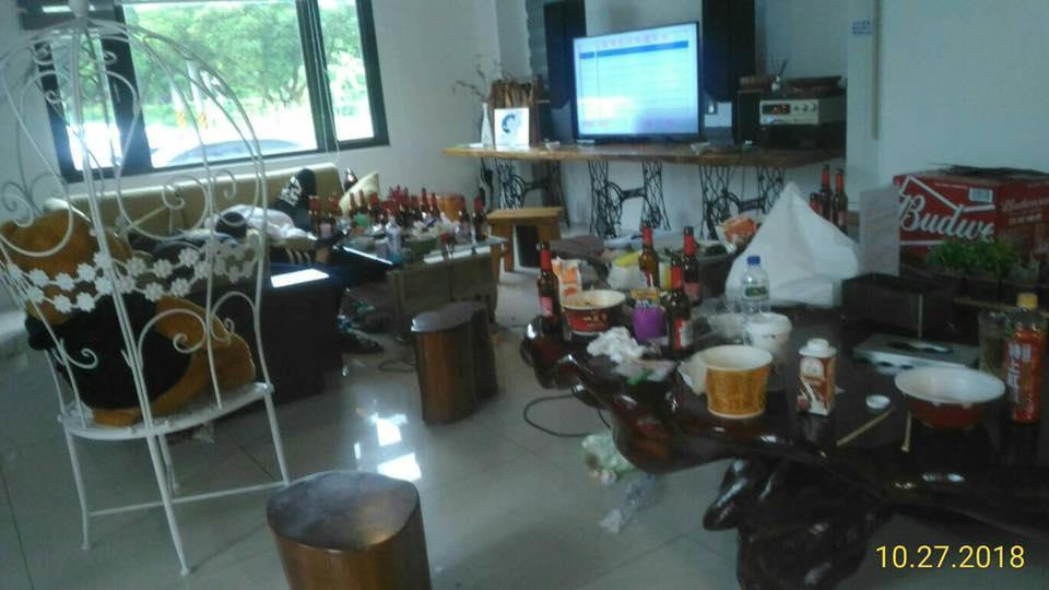 房客包棟入住卻違反規定,在屋內亂丟垃圾。圖片來源/爆料公社