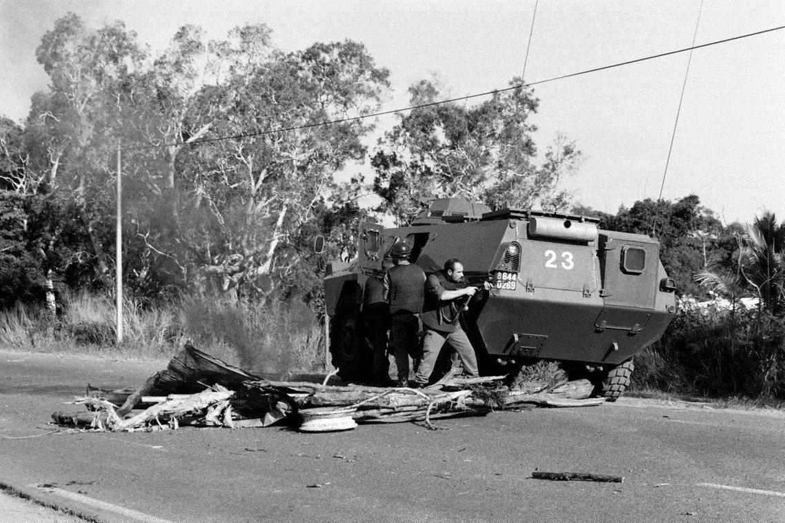 1988年的「烏韋阿島事件」,達到新喀近代武裝獨立的高峰。 圖/法新社