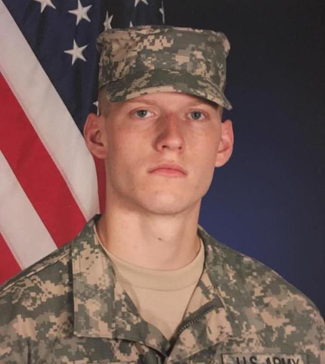 美國士兵洛根遭前妻威脅揭發女裝癖好,便狠心殺害前妻。圖片來源/每日郵報