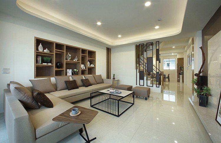 二樓朗闊大客廳,超大餐廚家聚空間、凝聚家人情感。圖片提供/豐大建設