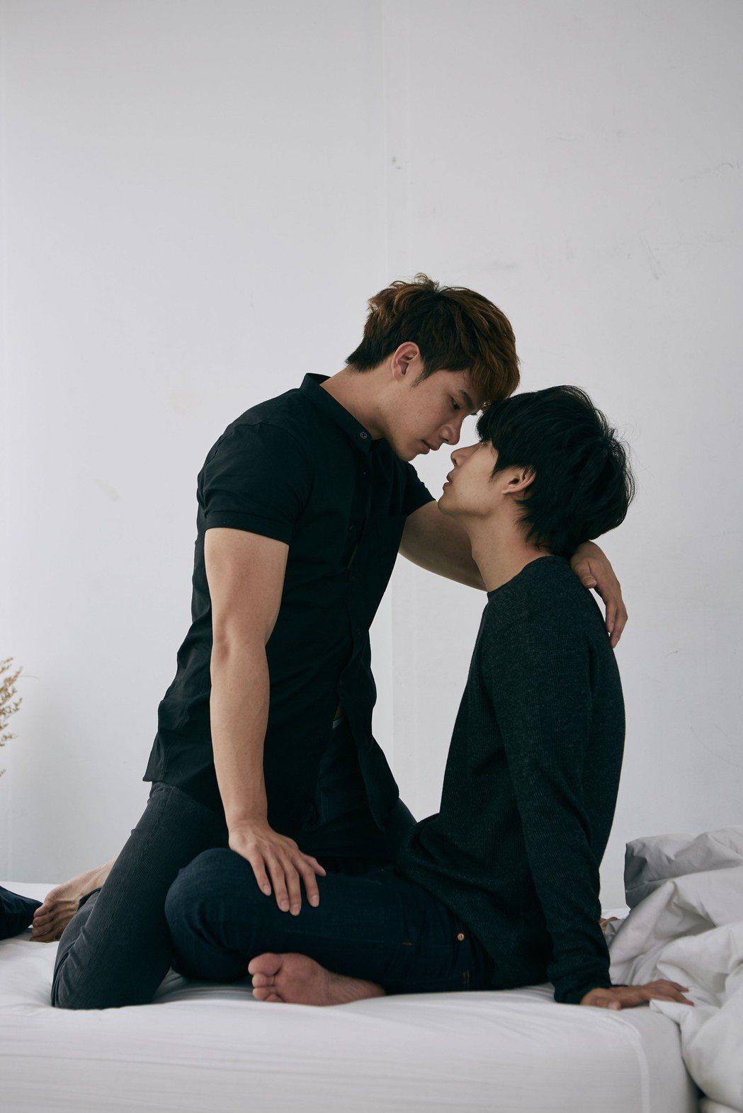 TUL(左)與MAX在劇中是一對戀人。圖/CHOCO TV提供