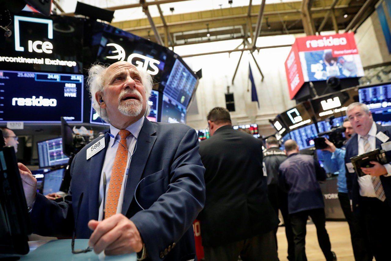 美中貿易緊張局勢趨緩的希望,助美股寫下連三漲。 路透