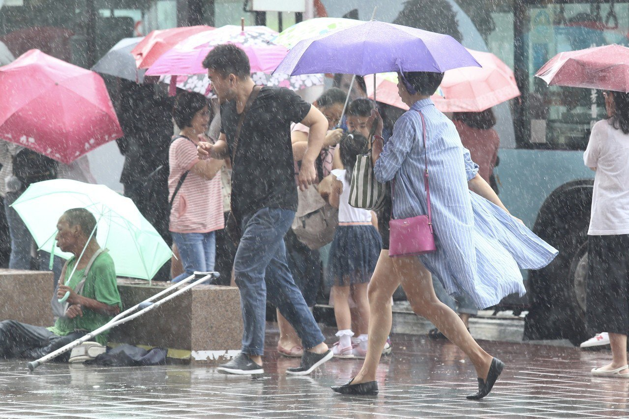 今日清晨至上午宜蘭縣有局部大豪雨或超大豪雨。聯合報系資料照/記者林伯東攝影