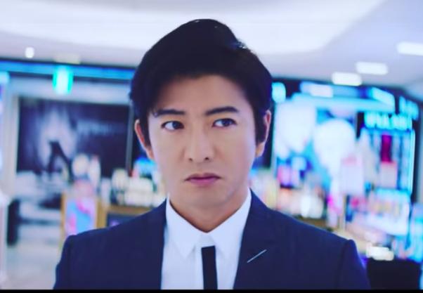 木村拓哉在西武澀谷店拍攝廣告。圖/摘自YouTube