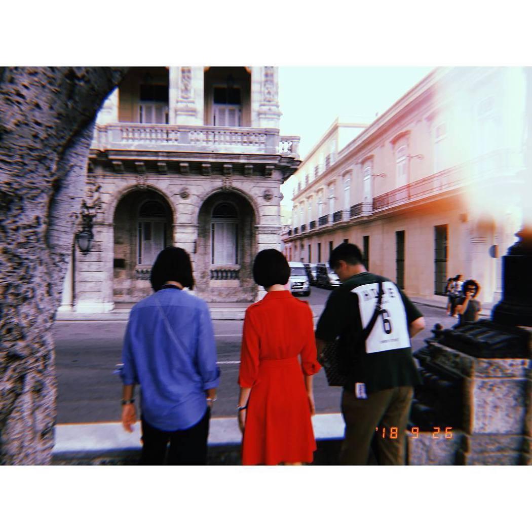 喬妹曾分享拍攝片場。圖/擷自instagram。