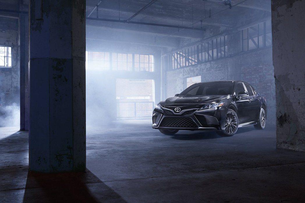2019年式美規Toyota Camry Nightshade Special ...