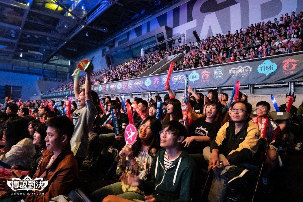 JT再下一城將冠軍賽戰線延長至第五局,現場粉絲加油聲不斷、群情激動。