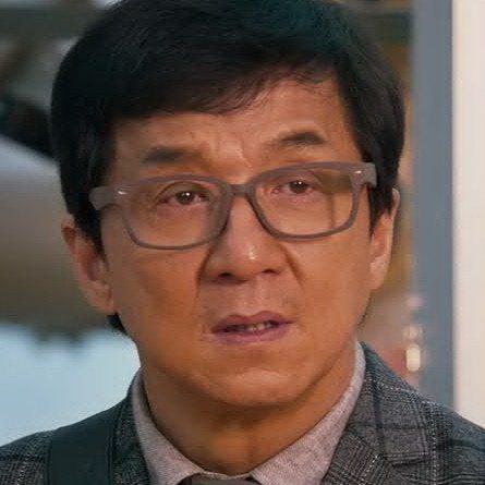 成龍在大陸拍新片,仍不斷致電回港關心昔日事業貴人的後事。圖/摘自HKMDB