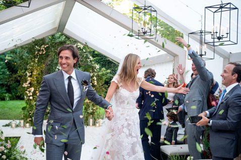 近來已經將事業重心轉移到經營生活風格網站Goop及網購的葛妮絲派楚,9月29日和「歡樂合唱團」原創之一布萊德法契克結婚,第2度成為新娘。他們的婚禮在紐約市郊著名的富豪度假勝地漢普頓舉行,史蒂芬史匹柏...
