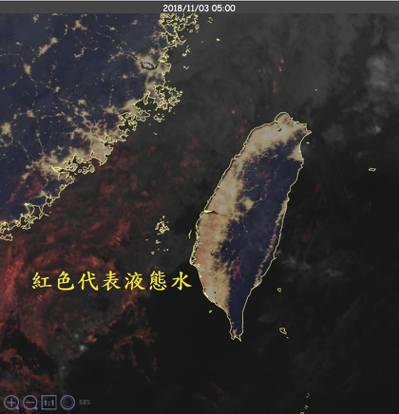 鄭明典表示,衛星雲圖上台灣西部有淡淡的紅色,那是人工色,用來標示衛星偵測到的液態...