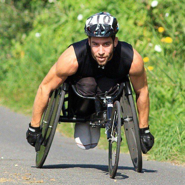列文是國際輪椅運動員,他也是其他殘疾運動員的訓練師與指導員。取自Justin L...