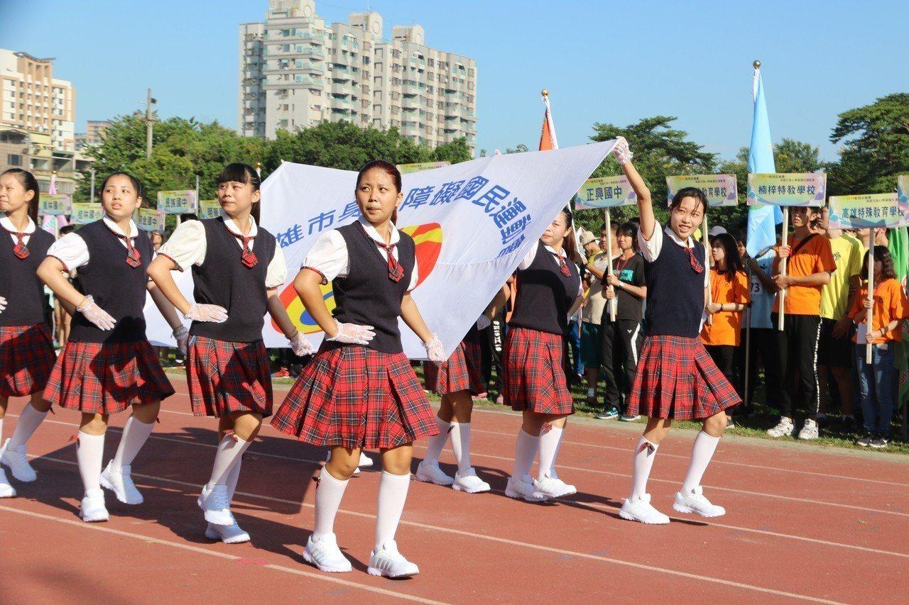 高雄市107年身心障礙國民運動會今天在中正高工體育場登場。記者徐如宜/攝影