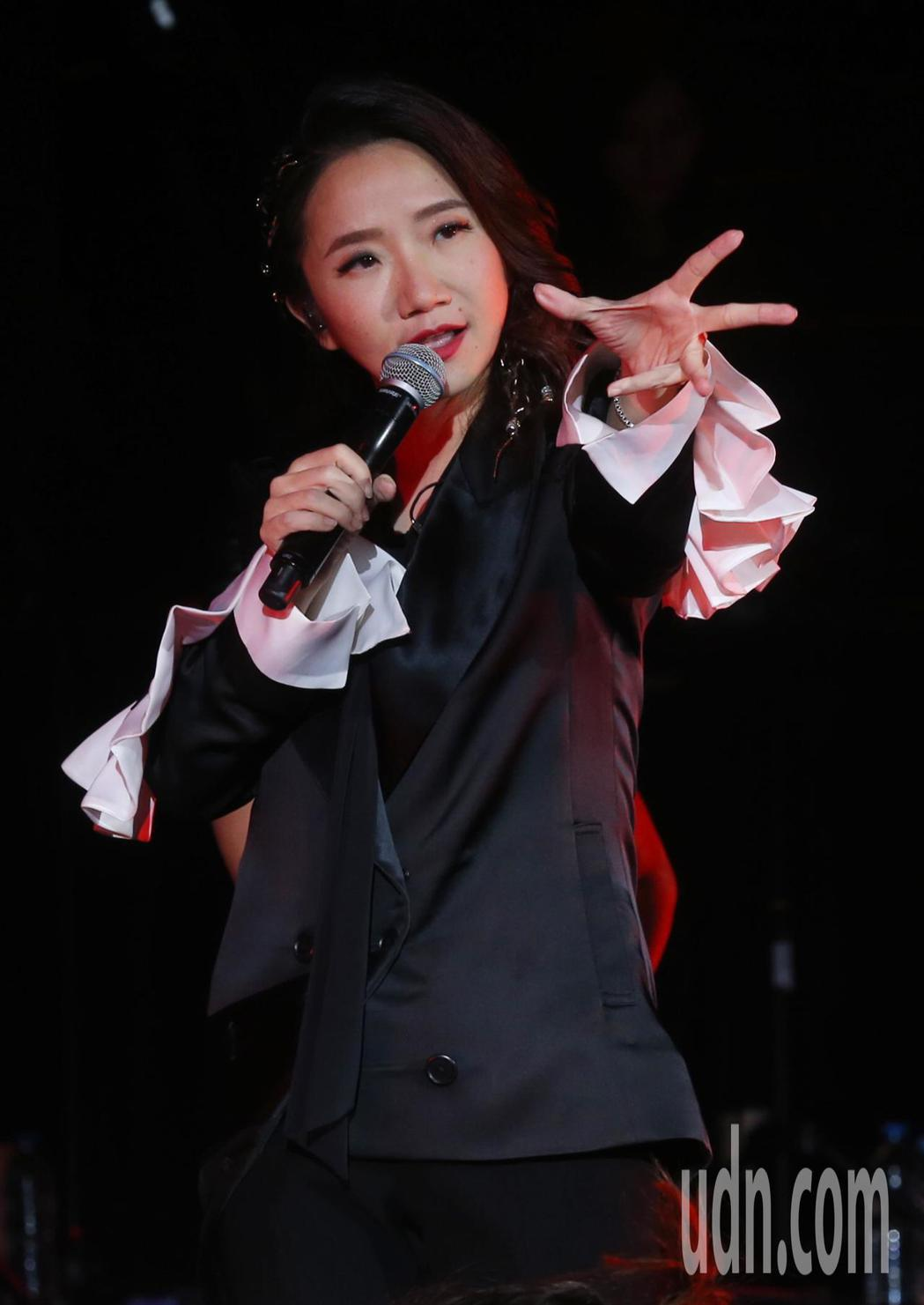 陶晶瑩演唱會眾星雲集 ,今起一連2天在台北國際會議中心舉辦「陶晶瑩的1999年」...