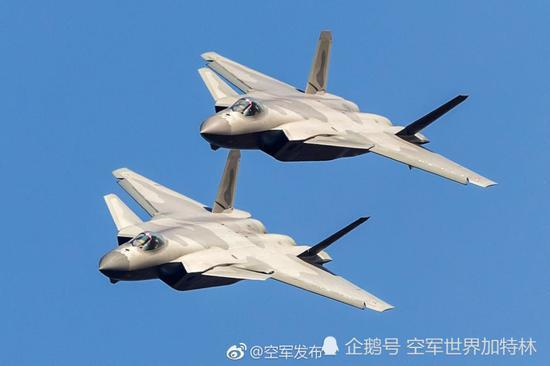 這一圓滑迷彩,是殲-20戰鬥機目前出現過的至少兩種迷彩之一,據推測已成為殲-20...