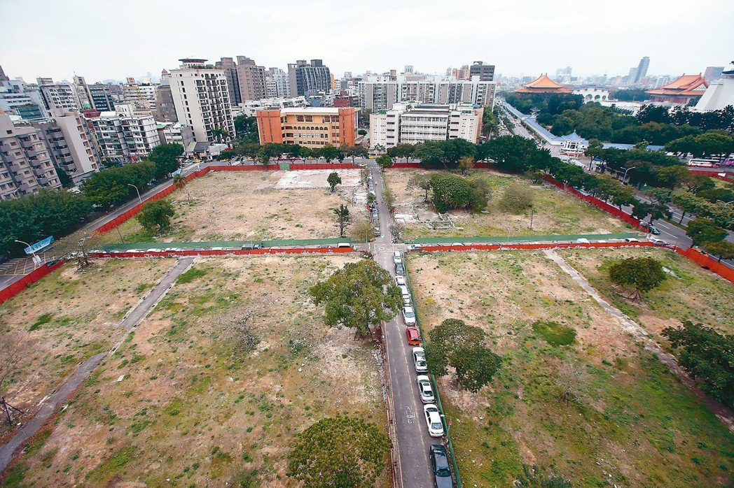 為活化國有地,國產署研究鬆綁雙北市500坪以下國有地禁售令,至於大面積國有地,則...
