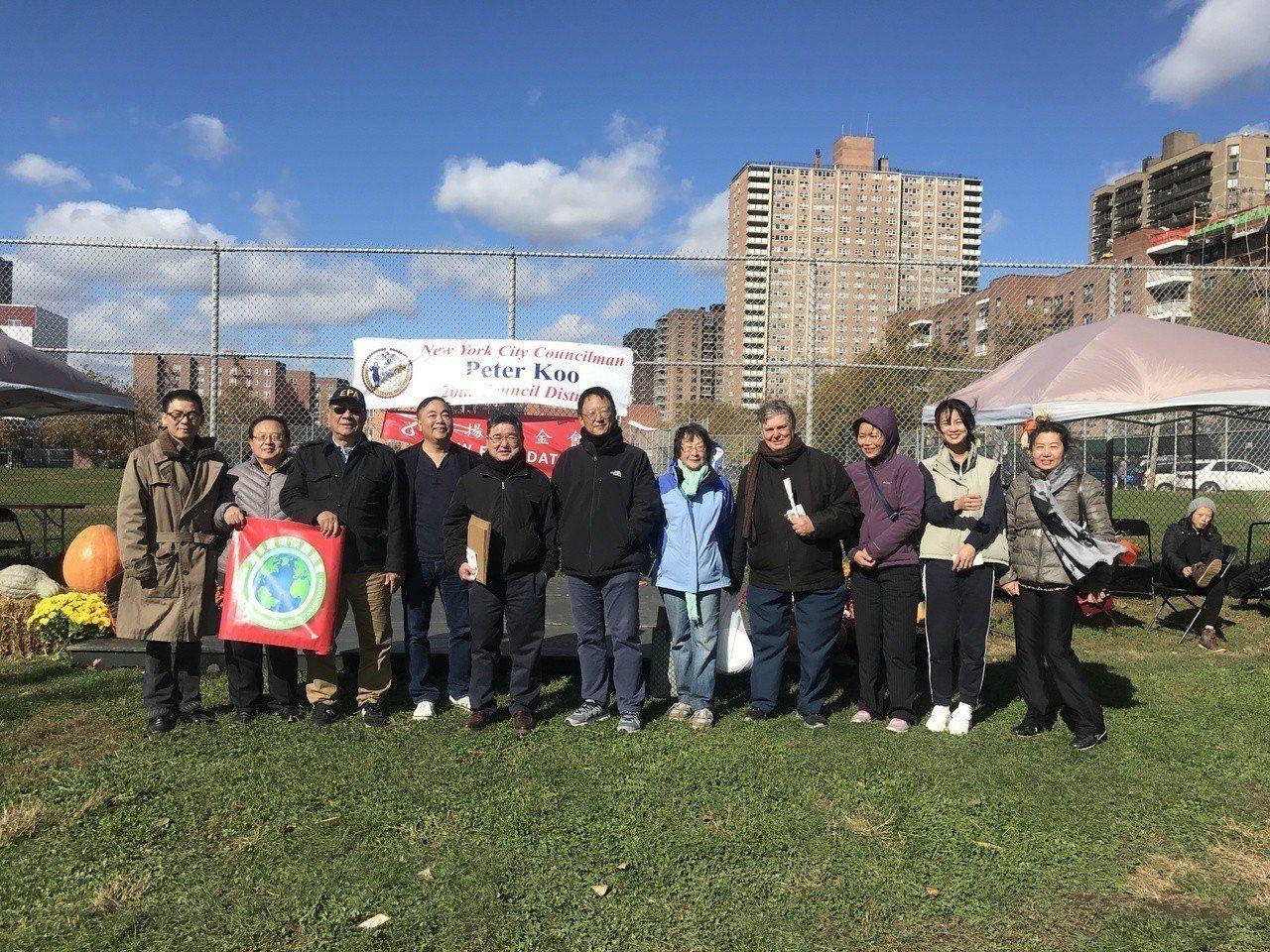 鼓勵華裔年輕一代參與社區活動,顧雅明揚基金會辦秋季遊園會。 記者牟蘭/攝影