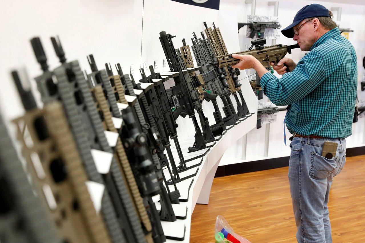 全國槍枝協會在選舉年助選開支罕見減少,首次低於限槍團體。 世界日報記者趙元良/攝...