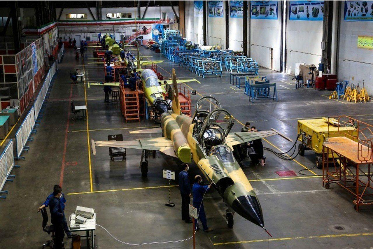 伊朗新戰機進入生產流程。 法新社