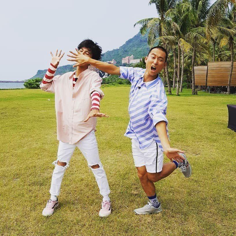 浩子(右)與阿翔(左)合照出現亮點。 圖/擷自浩角翔起臉書