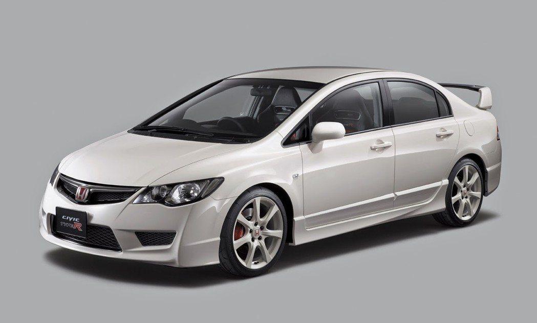 當時日規4門Type R 一出,各種外觀套件紛紛出爐,似乎又回到6代盛況。 摘自Honda