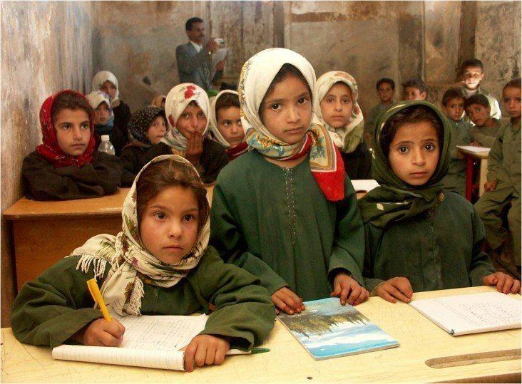 葉門教師蘇奧巴治透過自行辦學的方式,為當地約700名孩童提供免費教育。 台灣醒...